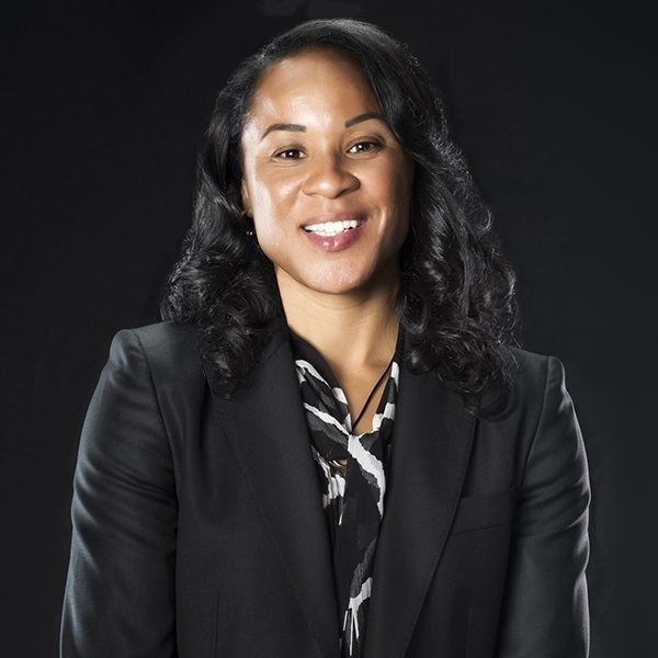 Bonus Episode: Dawn Staley: How To Have the Courage to Compete